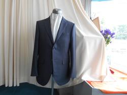 秋の新柄スーツ