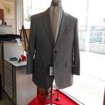 スーツをひとまわり小さくする