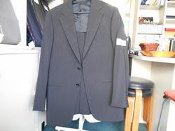 アルマーニのスーツお直し